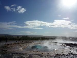 Début jaillissement Geyser en Islande